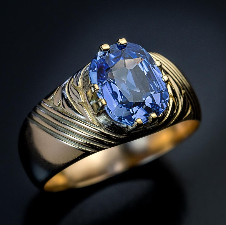 Antique Russian 2.50 Carat Sapphire Gold Unisex Ring For Sale 2