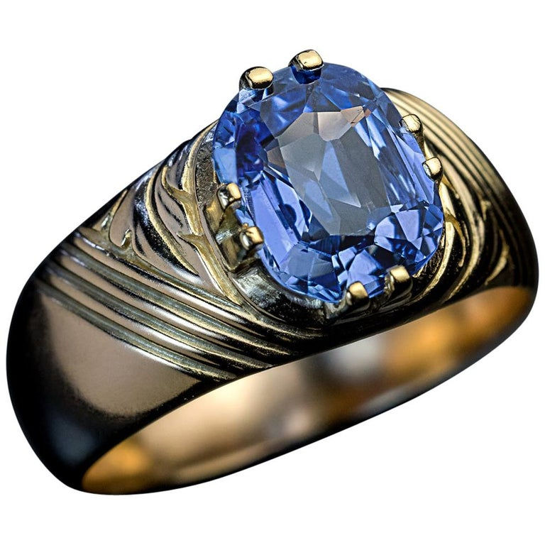 Antique Russian 2.50 Carat Sapphire Gold Unisex Ring For Sale