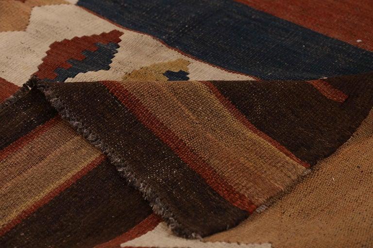 Antique Russian Area Rug Kilim Design In Excellent Condition For Sale In Dallas, TX