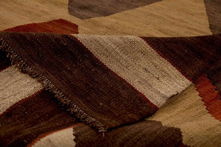 Antique Russian Area Rug Kilim Style Design In Excellent Condition For Sale In Dallas, TX