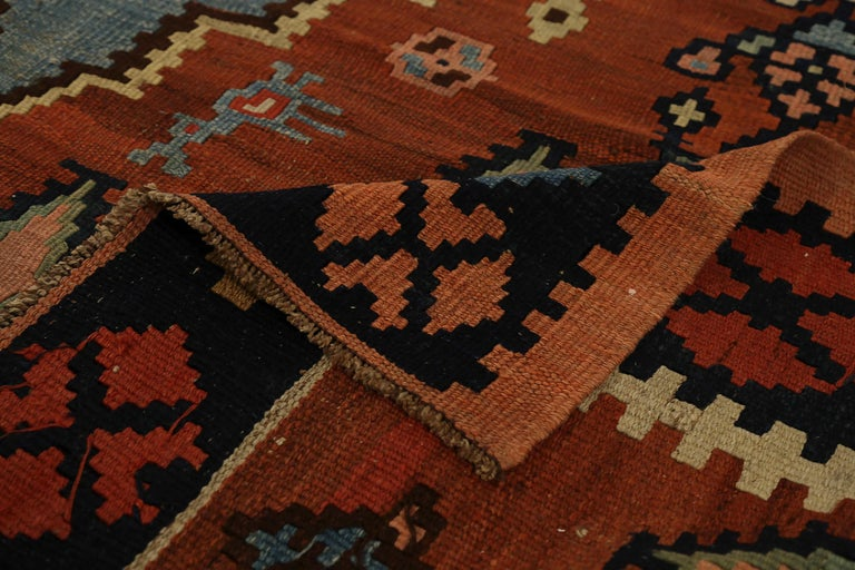 Antique Russian Area Rug Kilim Style Design In Excellent Condition For Sale In Dallas, TX