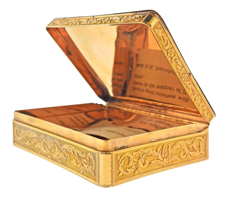 Antique Russian circa 1810s Enamel Gold Box In Excellent Condition For Sale In New York, NY