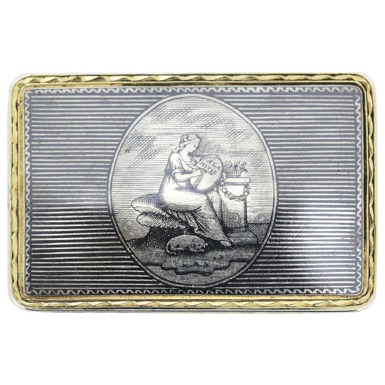 Antique Russian Silver-Gilt and Niello Pill / Snuff Box, Moscow, circa 1810-1820