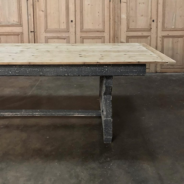 Antique Rustic Country French Pine Wagon Wheel Trestle Table For Sale 5