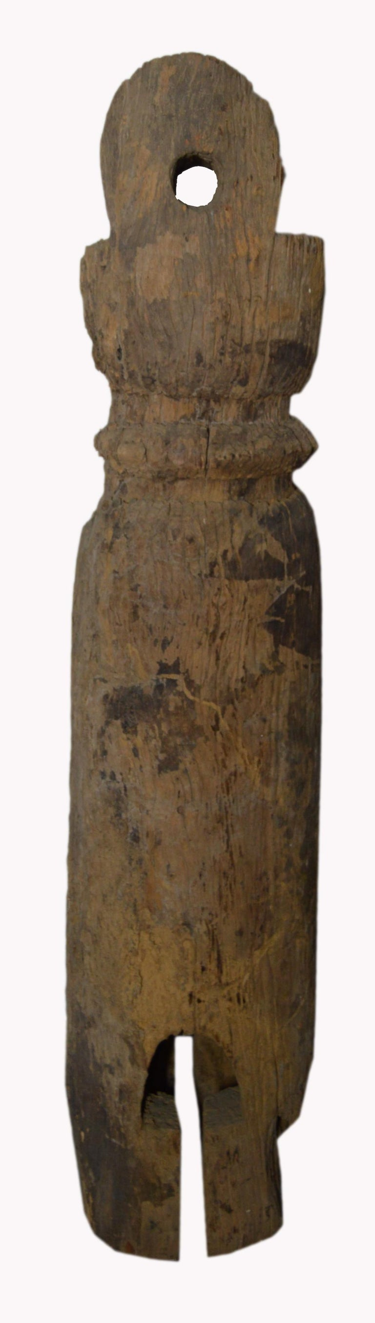 Antique Rustic Hand-Carved 19th Century Northern Thai Cylindrical Pole Sculpture In Fair Condition For Sale In Yonkers, NY