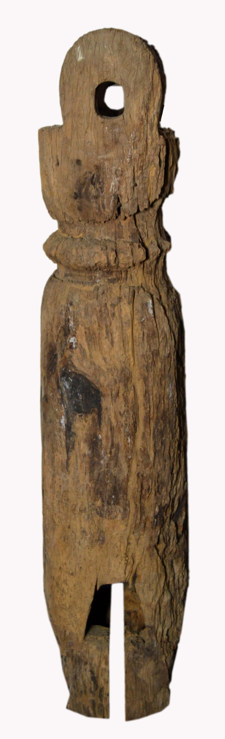 Antique Rustic Hand-Carved 19th Century Northern Thai Cylindrical Pole Sculpture For Sale 2