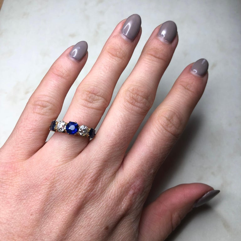 Antique Sapphire and Diamond 18 Carat Gold Five-Stone Ring For Sale 1