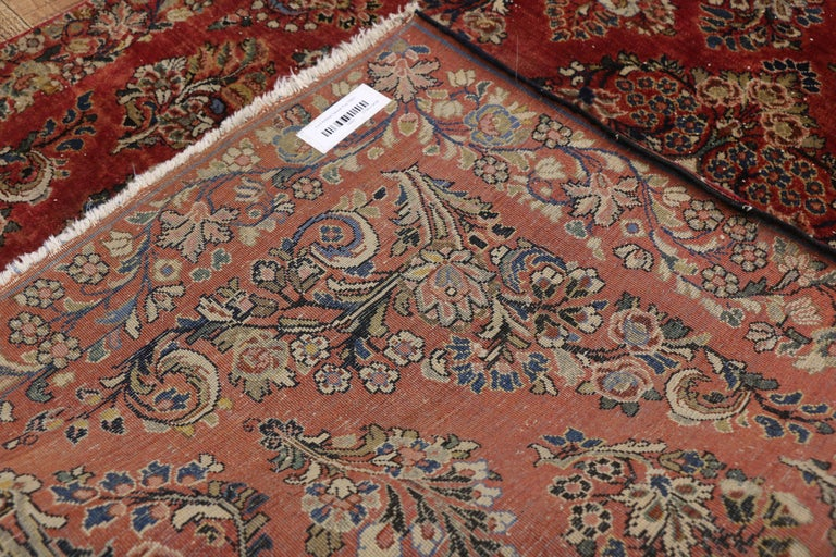Antique Sarouk Persian Rug with Old World Victorian Style In Good Condition For Sale In Dallas, TX