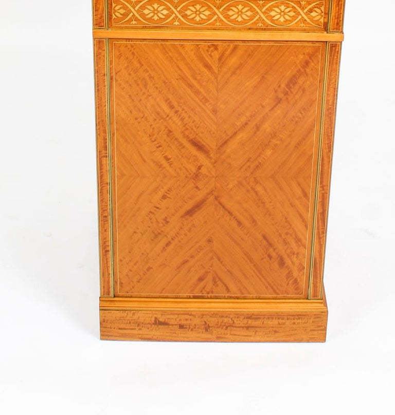 Antique Satinwood and Marquetry Dressing Table Waring and Gillow, 19th Century For Sale 8