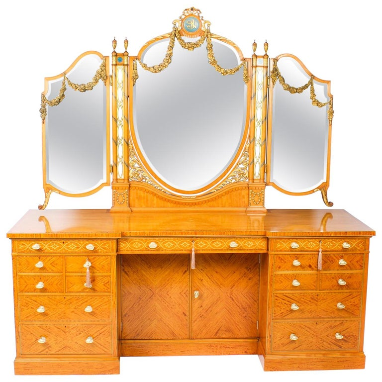 Antique Satinwood and Marquetry Dressing Table Waring and Gillow, 19th Century For Sale