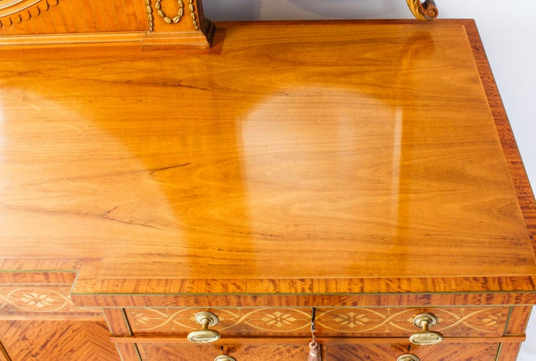 Antique Satinwood and Marquetry Dressing Table Waring & Gillow, 19th Century For Sale 2
