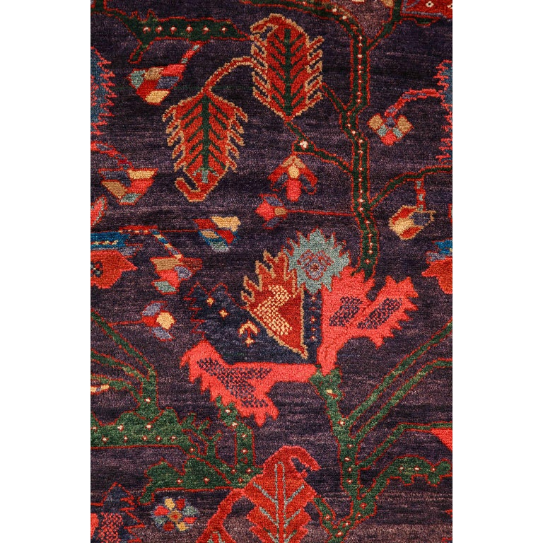 Early 20th Century Antique Saveh Persian Carpet in Pure Wool and Vegetable Dyes, circa 1910 For Sale
