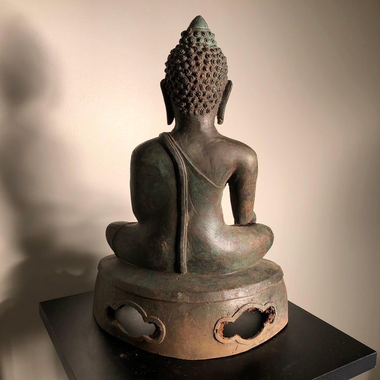 Antique Seated Enlightenment Shakymuni Buddha, Hand Cast Bronze For Sale 5