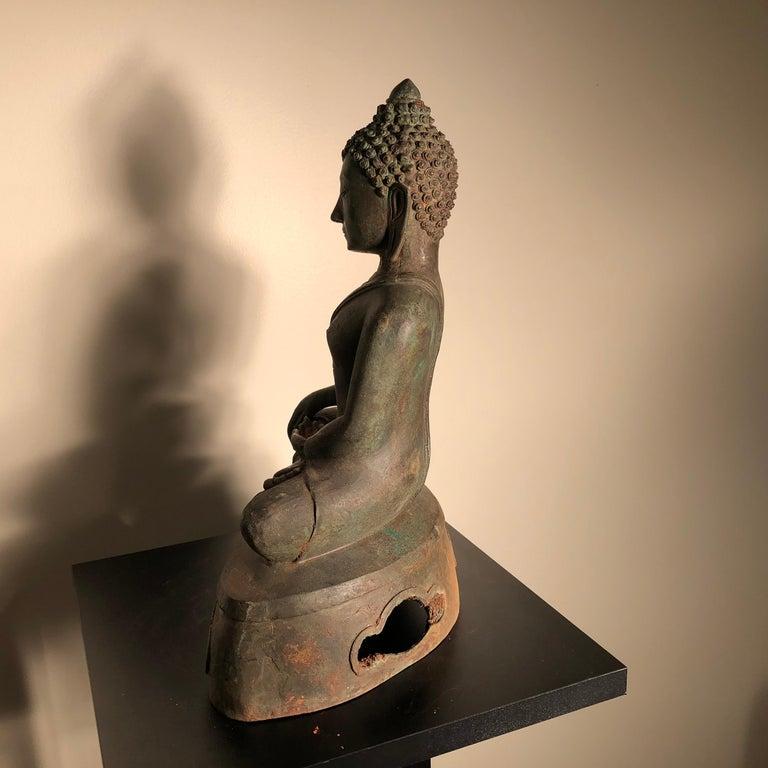 Antique Seated Enlightenment Shakymuni Buddha, Hand Cast Bronze For Sale 9