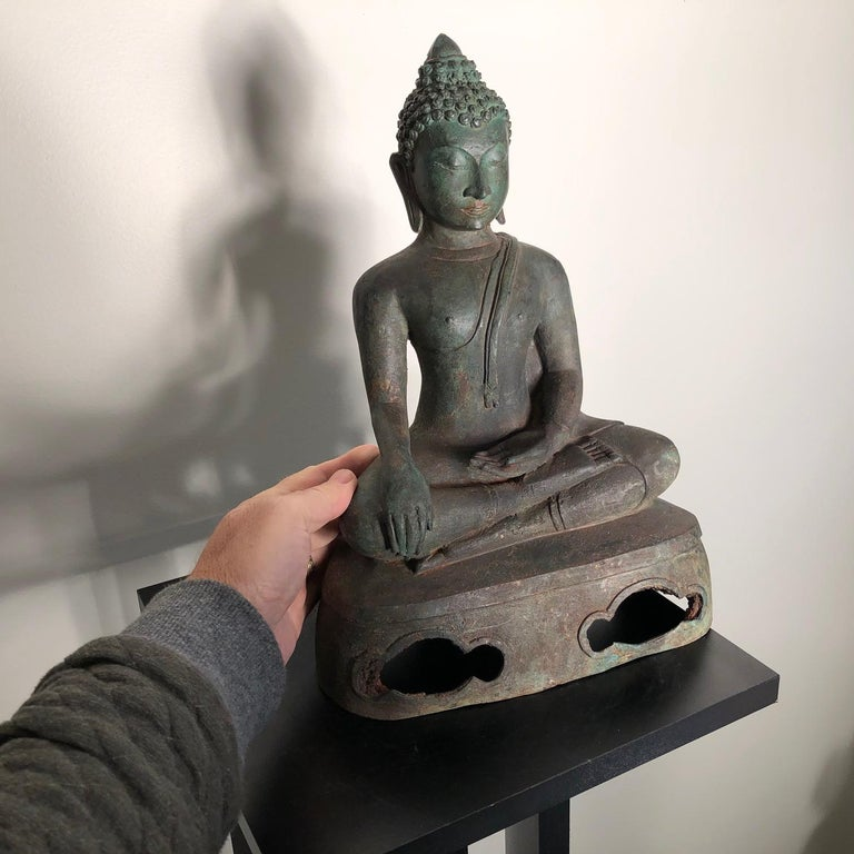 Antique Seated Enlightenment Shakymuni Buddha, Hand Cast Bronze For Sale 11
