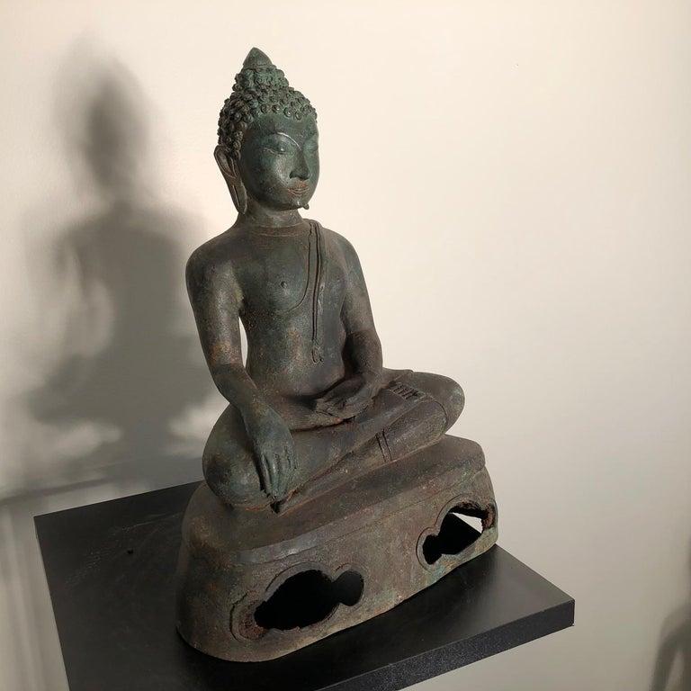 Antique Seated Enlightenment Shakymuni Buddha, Hand Cast Bronze For Sale 1