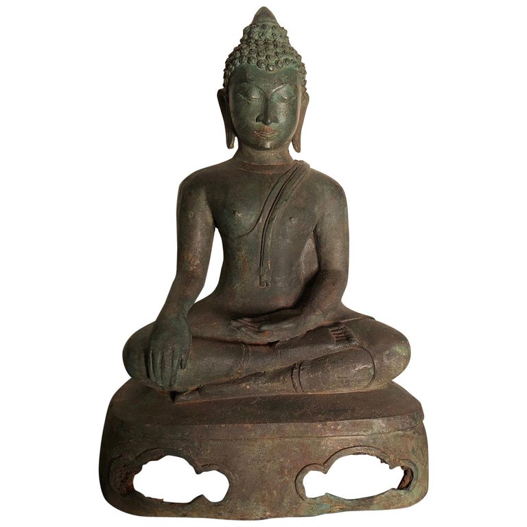 Antique Seated Enlightenment Shakymuni Buddha, Hand Cast Bronze For Sale