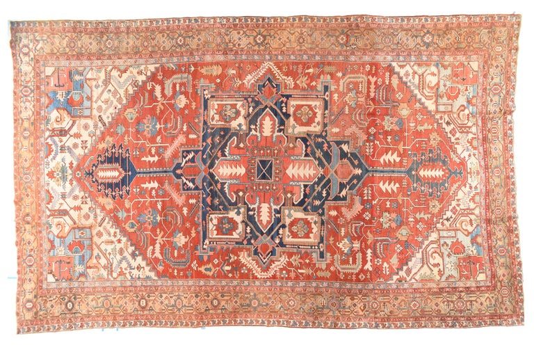 Antique Serapi Persian Rug, circa 1890 In Good Condition For Sale In Chevy Chase, MD