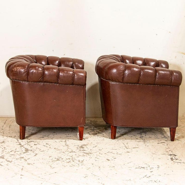 Antique Set of Brown Vintage Leather Chesterfield Sofa and Pair of Club Chairs For Sale 5