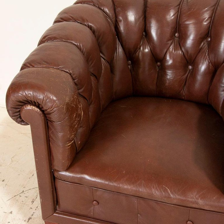 Antique Set of Brown Vintage Leather Chesterfield Sofa and Pair of Club Chairs For Sale 10
