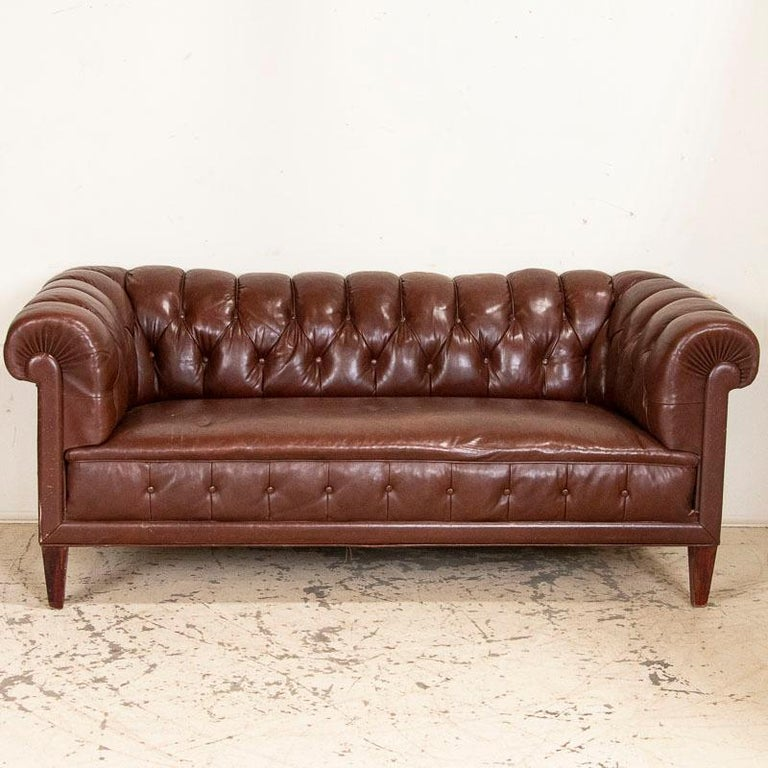 English Antique Set of Brown Vintage Leather Chesterfield Sofa and Pair of Club Chairs For Sale