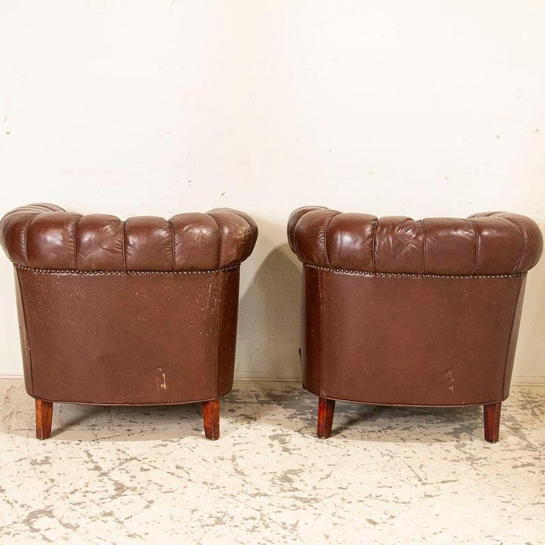 Antique Set of Brown Vintage Leather Chesterfield Sofa and Pair of Club Chairs For Sale 3