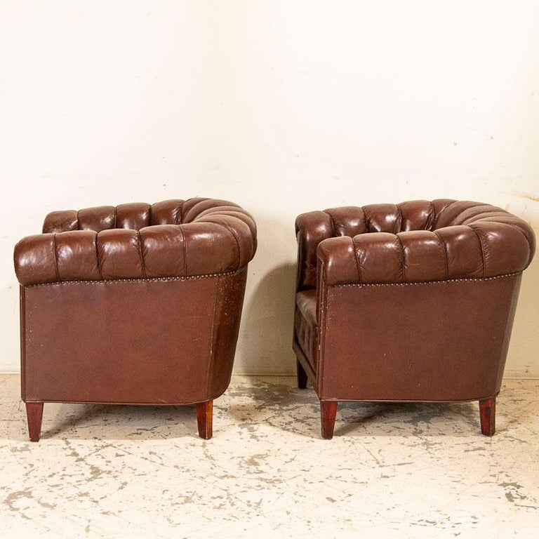 Antique Set of Brown Vintage Leather Chesterfield Sofa and Pair of Club Chairs For Sale 4