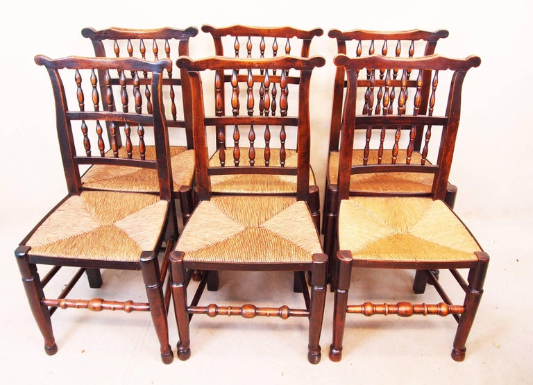 Antique Set of Eight Spindle Back Dining Chairs In Good Condition For Sale In Bedfordshire, GB