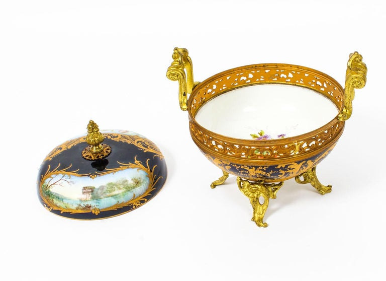 Antique Sevres Royal Bleu Porcelain Pot-Pourri Urn Stamped, 1846, 19th Century  For Sale 5