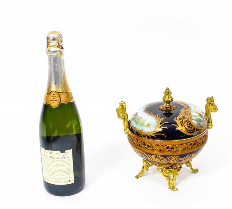 Antique Sevres Royal Bleu Porcelain Pot-Pourri Urn Stamped, 1846, 19th Century  For Sale 10