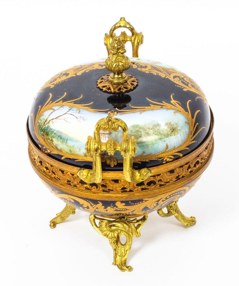 Mid-19th Century Antique Sevres Royal Bleu Porcelain Pot-Pourri Urn Stamped, 1846, 19th Century  For Sale