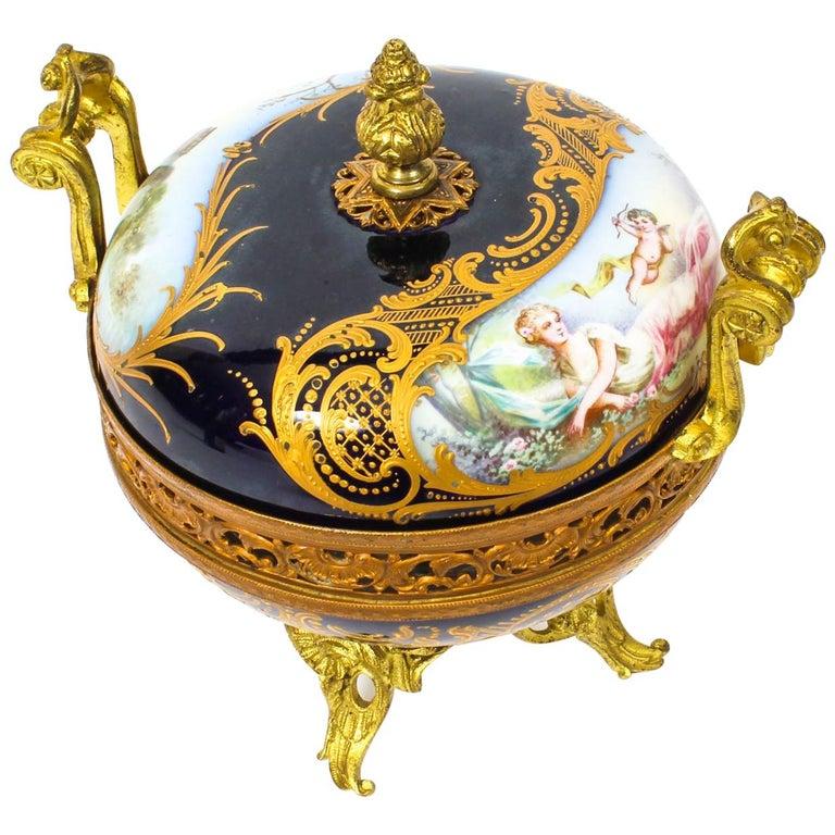 Antique Sevres Royal Bleu Porcelain Pot-Pourri Urn Stamped, 1846, 19th Century  For Sale