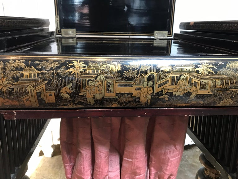 Antique Sewing Table with Chinoiserie Lacquer 'English, Early 19th Century' For Sale 7