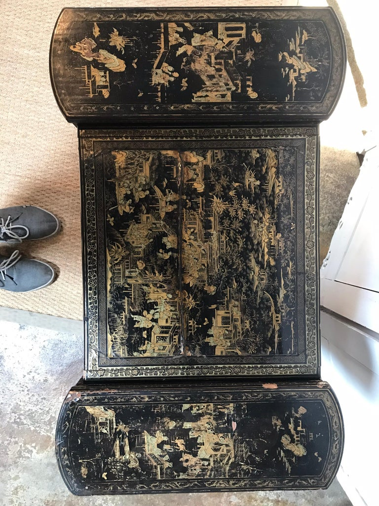 Antique Sewing Table with Chinoiserie Lacquer 'English, Early 19th Century' For Sale 1