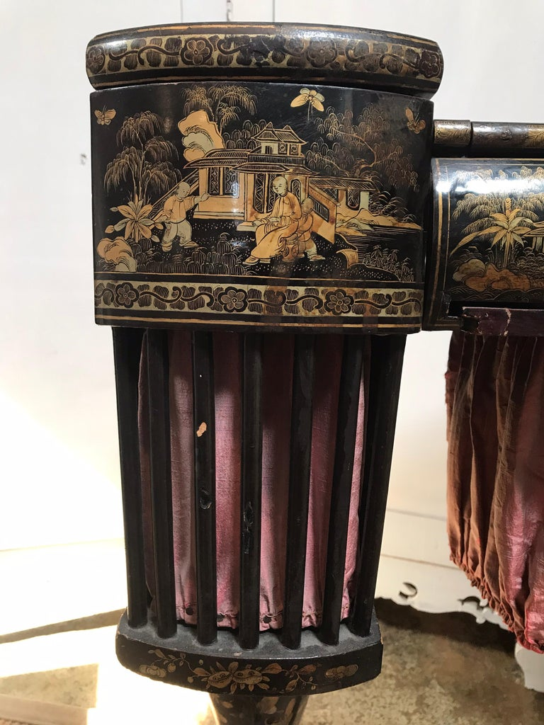 Antique Sewing Table with Chinoiserie Lacquer 'English, Early 19th Century' For Sale 3