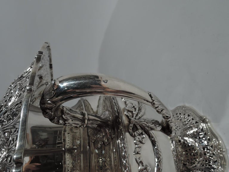 Antique Shreve Sterling Silver Wine Cooler in Adam Pattern In Excellent Condition For Sale In New York, NY