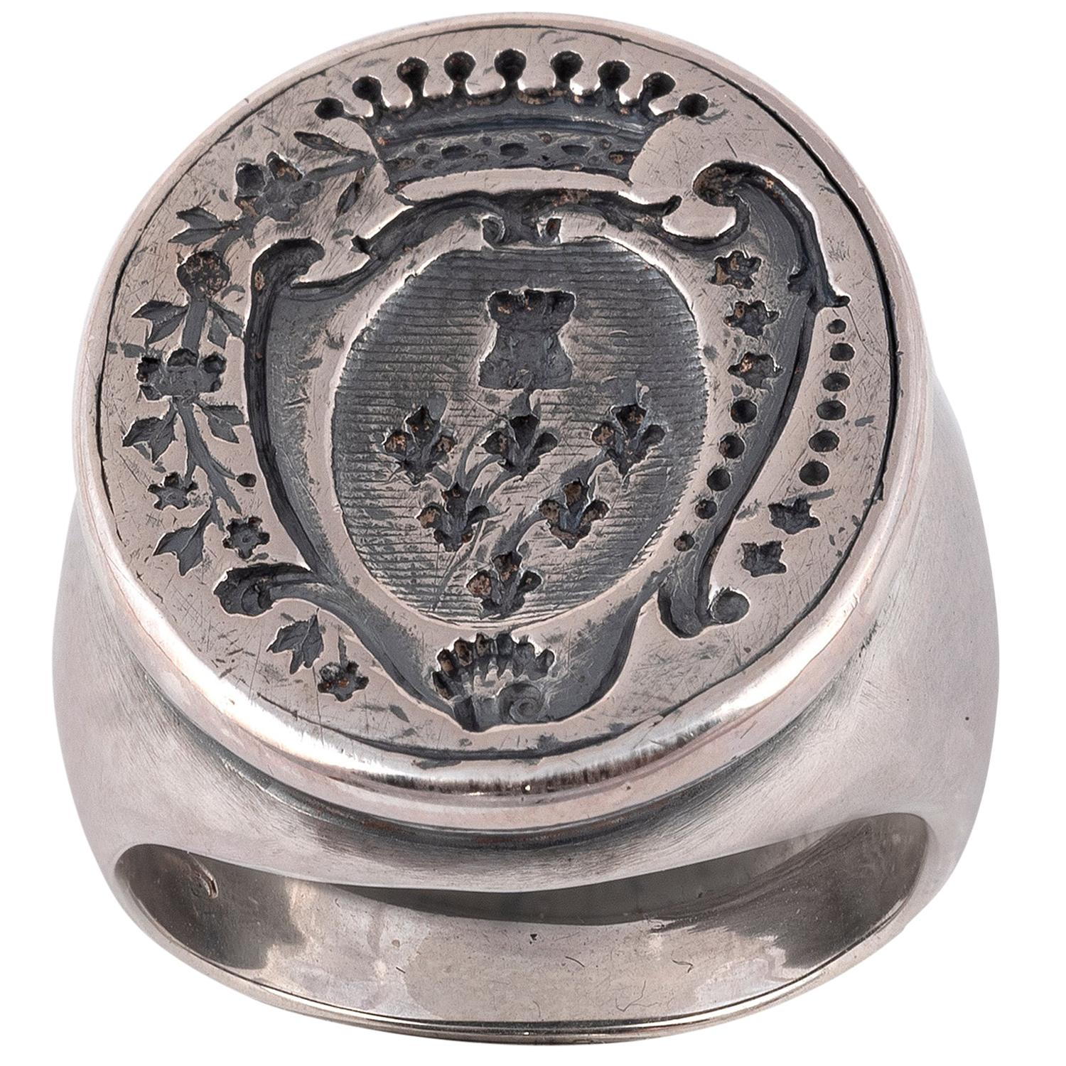 Antique Silver Crest Coat of Arms Signet Ring