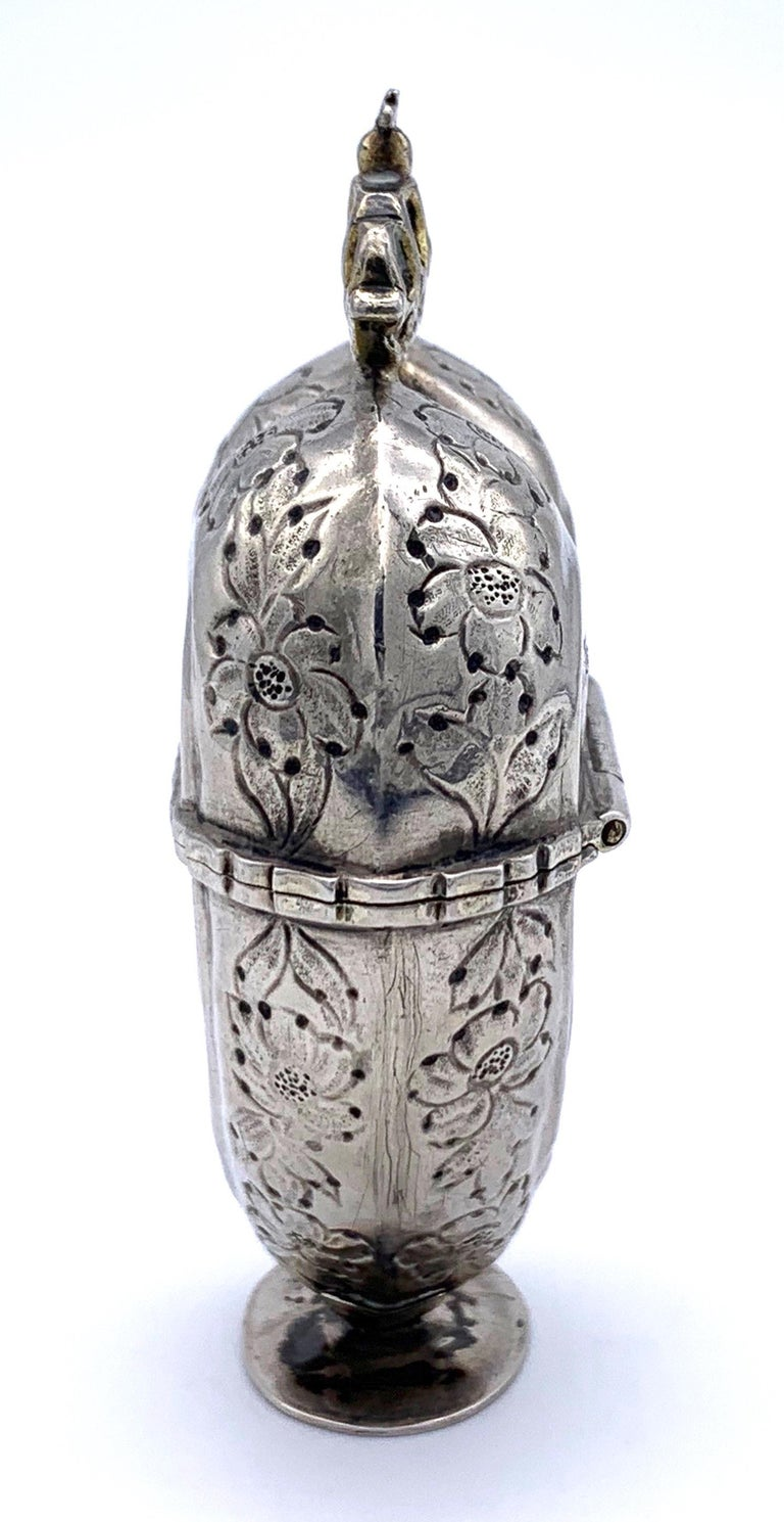 Antique Silver Lovetoken Heart Crown Box In Good Condition For Sale In Munich, Bavaria
