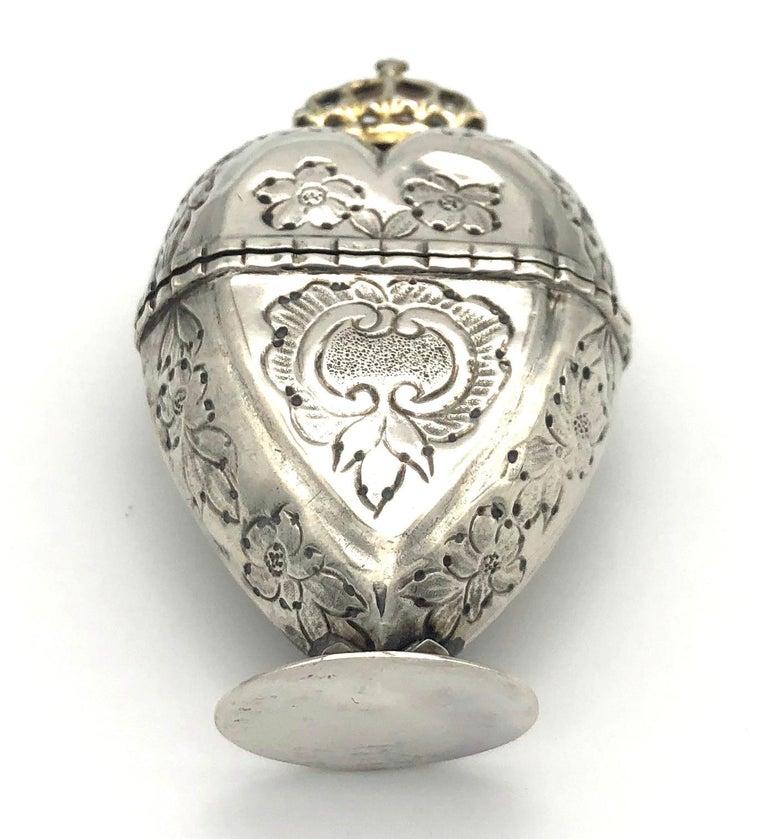Antique Silver Lovetoken Heart Crown Box For Sale 1
