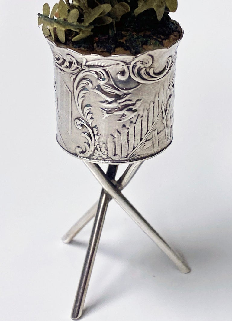 Antique Silver Miniature Planter and Stand, Germany, circa 1900 In Good Condition For Sale In Toronto, Ontario