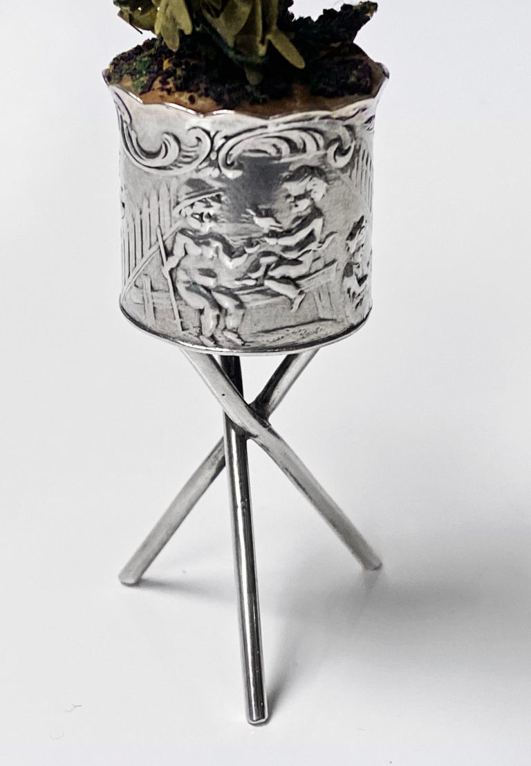Antique Silver Miniature Planter and Stand, Germany, circa 1900 For Sale 1
