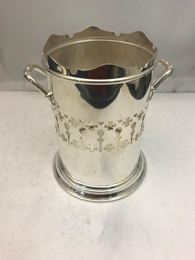 Antique Silver Plated Pierced Wine Bottle Holder In Good Condition For Sale In London, London