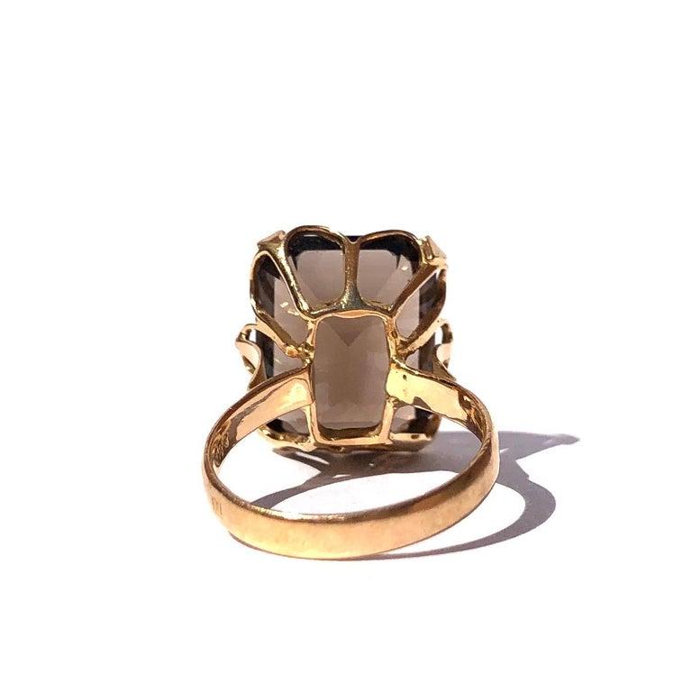 Art Deco Antique Smokey Quartz and 18 Carat Gold Cocktail Ring For Sale