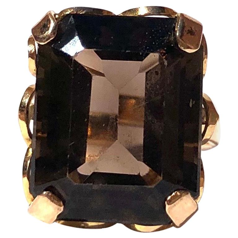 Antique Smokey Quartz and 18 Carat Gold Cocktail Ring For Sale