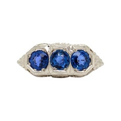 Antique Solid 18 Karat White Gold Natural Sapphire 3-Stone Filigree Ring 2.8g