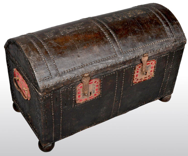 Antique Spanish Baroque Leather and Studded Wedding Trunk / Coffer, circa 1700 For Sale 2