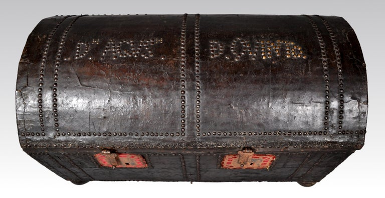 Antique Spanish Baroque Leather and Studded Wedding Trunk / Coffer, circa 1700 For Sale 3
