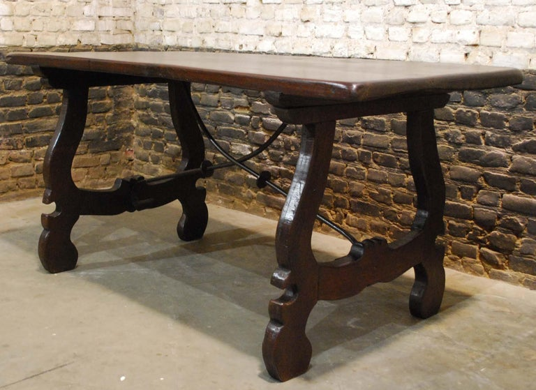 Antique Spanish Baroque Trestle Farm Table and Chairs Set in Chestnut For Sale 1