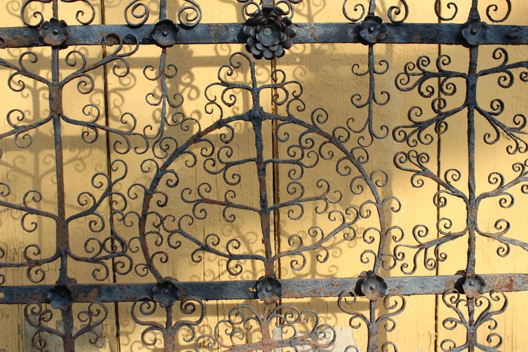 Antique Spanish Colonial Mexican Wrought Iron Yellin Fire Screen