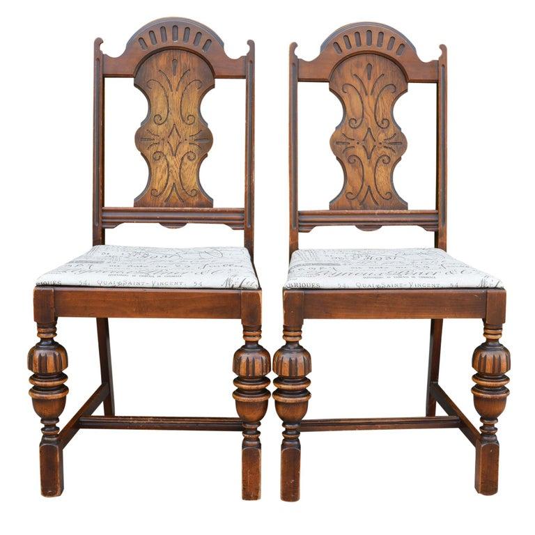 Antike Stuhle Im Spanischen Stil Mit Gepolsterten Sitzen In Taupe